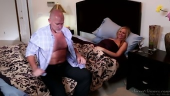 Astounding love-making along with sexually charged pale milf Julia Ann
