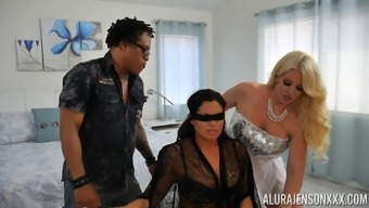 Gorgeous Alura Jenson connects a blond for getting a wild intercourse session