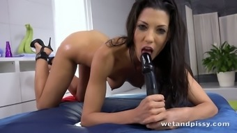 Sizzling babe Alexa Tomas enjoys to effectively masturbate and her pussy is so sensitive