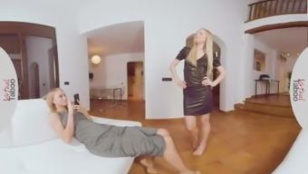 On-line Awkward - Perverted Lesbian Siblings Entertaining Dildo