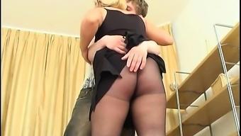 Mature Lola age serious big tits mother using blowjob