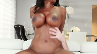 Sexual intercourse wild hooker Diamond Jackson has got a perfectly sculpted whole body