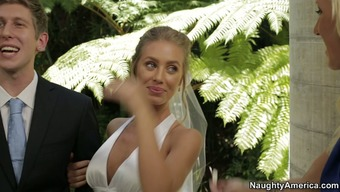 Nicole Aniston slash on top of her fiance at the wedding day
