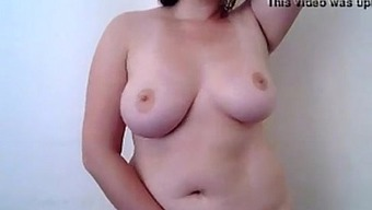 Little plump cam date from AngelzLive.com