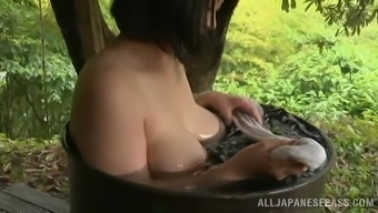 Delightful Japanese people Baby Has a Pleasant Bathroom Outdoors Within the Elegant Tale