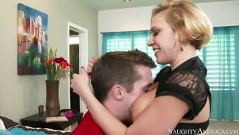 Interesting mommy Kagney Linn Karter gives head Paver brick Risk