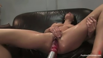 Numerous Tops for Brunette Scarlet Knox Fucked by the majority of people Equipment