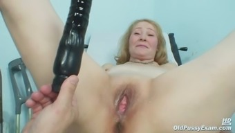 Gyno doctor speculum delve into incredibly old grow older pussy Sofie