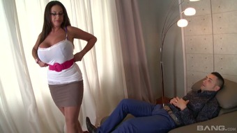 Statuesque psychologist Emma Rear end fucks her client like there's no later