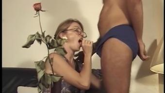 Mamie Porno - Vol first