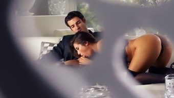 Eexy Eva Lovia is instructing her Guy some way before the occasion