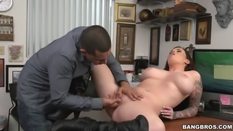 Full-figured hooker in a leather covered tub chair shoes fucked