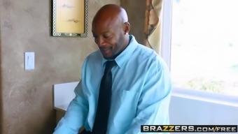 Brazzers - Pulling Up Her Mat Monique Alexander