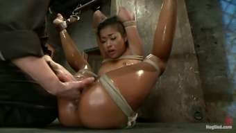 Unique sexual intercourse machine Skin surface Ring is within oiled slavery