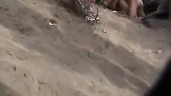 голые мужики на пляже скрытая камера плохими бывают