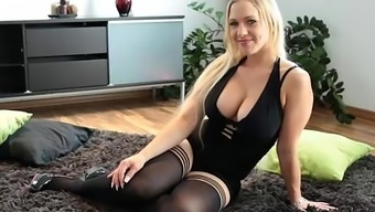 Sizzling Blonde Dildos Herself to actually Squirts Like Hell - 365cams.internet