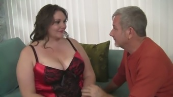 Big breasted whorish BBW Joslyn Underwood knows how to blow dick
