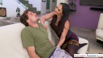 Talkative sexy babe Sheena Ryder kisses stud and gives him head by chance