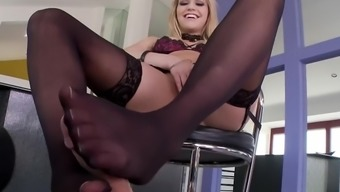 FootsieBabes Mia Malkova's French Pedicure
