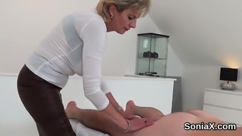 Disloyal britain age girl sonia shows her huge ju