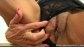 British granny Georgie Nylons dildos her ass and pussy