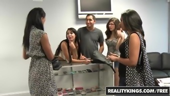 RealityKings - Some cash Discussions - Patrauklumas Taylor Esmi Lee Juan Largo