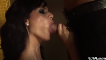 Angelika Peerless loves getting her blonde face fucked by using a big hard raise