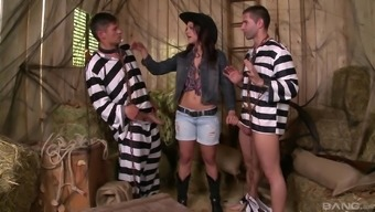 Threesome by using superior Samia Duarte that is on the slutty legs