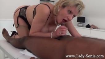 Female Sonia topmost bloke massage therapy, handjob, blowjob and titjob - the works!