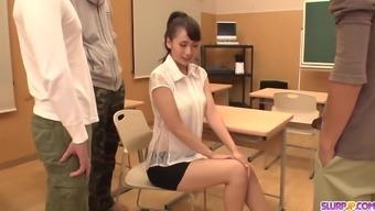 Shy Yui Oba gangbang oral sex and - More at Slurpjp.com