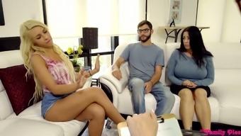 Blond step daughter Carmen Caliente can't stop twerking her juicy ass