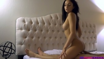 Natural slender girlfriend Ariana Marie is fucked missionary in the evening