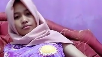 Hot asian tudung, hijab, jilbab slut playing herself 6