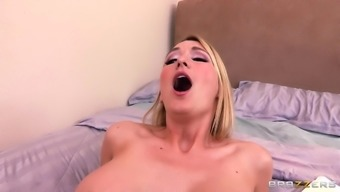 Hot MILF Gets Her Squirting Pussy Fucked