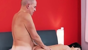 Old wife fuck Older gentleman and his princess