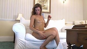 Vanessa Twain