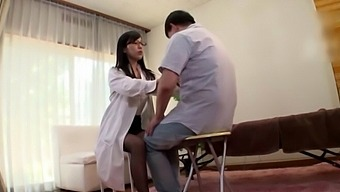Passionate fucking between a patient and sexy doctor Mizukawa Kazuha