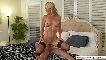Fuckless housewife seduces young delivery guy and bangs him like a sex-starved hooker