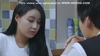 Korean Raunchy Movie With Stunning Girl