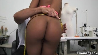 selena adams and aaliyah gray training in the back space to produce a custom made match