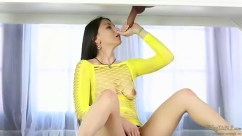 incredible alexis rodriguez sucking off a dick at rubdown parlor