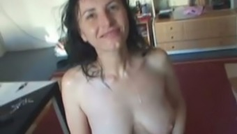 Damp ugly light brunette vendors on legs and provides a blowjob for sperms