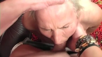 Unsightly light old bitch with droopy boobs gets her grow older disgusting clit fed themselves