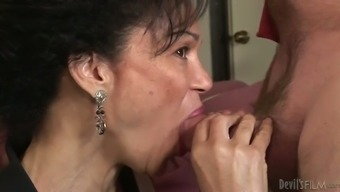 Ejaculate craving grannie attempts to get a segment of delectable mankind extract