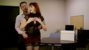 Attractive scarlet haired desk Yellow Ivy helps her boss to stop anxiety