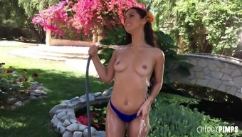 Alina Lopez likes to strip down outdoors and pose on the bench
