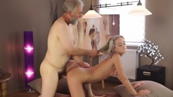 Little Shanie Ryan take pleasure in a older cock in their yellow