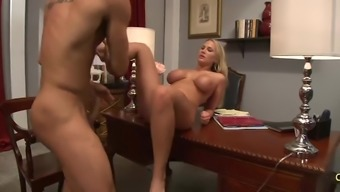 Stunning Alanah Rae kissing and using on substantial phallus