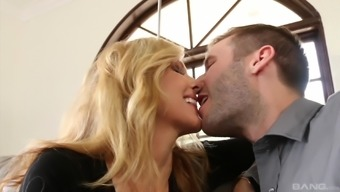 Big tits Julia Ann jumping on any constant wiener and wailing