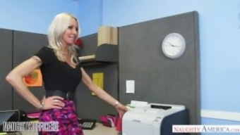 MILF Emma Starr seduces her colleague - Wayward Office - Wayward American
